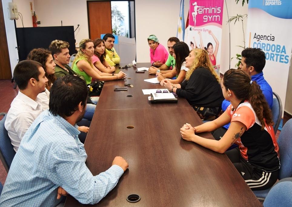 Presentaron actividades por el d a internacional de la for Gimnasio quatro