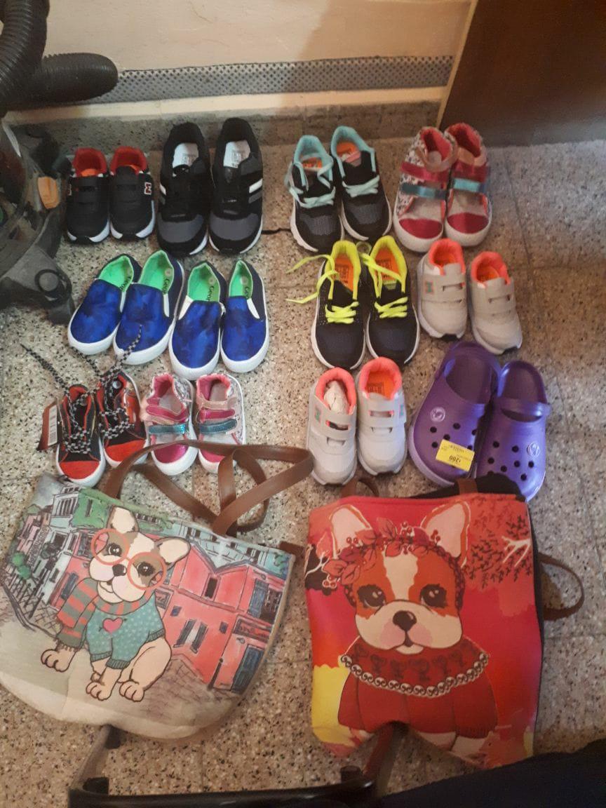 Detuvieron a dos mecheras con 12 pares de zapatillas for Walmart rio cuarto